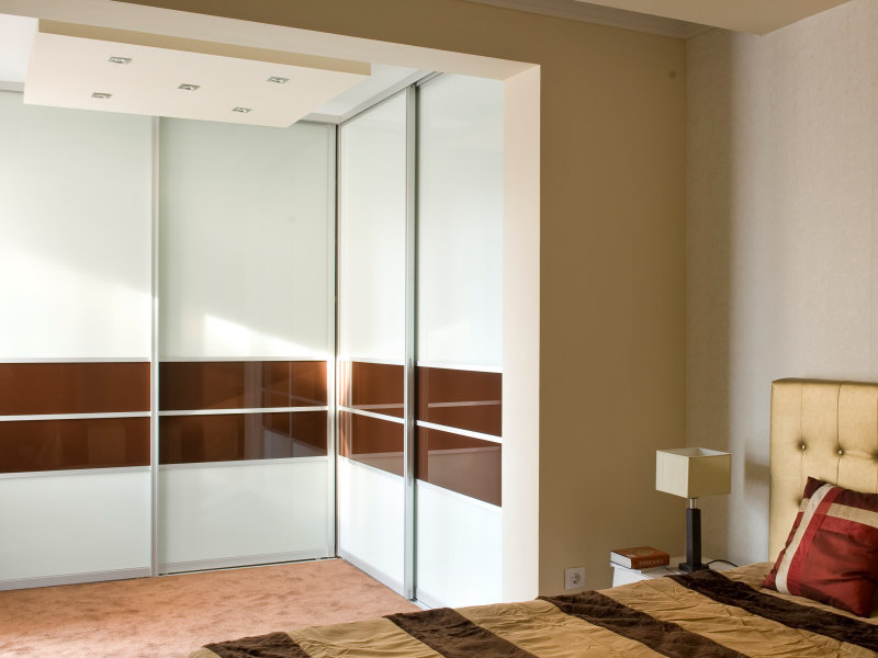 In-Out Drive Sliding Closet Doors