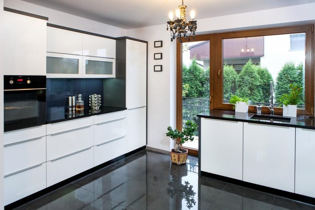 Elegant High Gloss Kitchens. High Gloss / Matte Lacquered Cabinet Doors